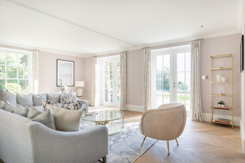 Summer Room in Dorset designed by Laura Butler-Madden