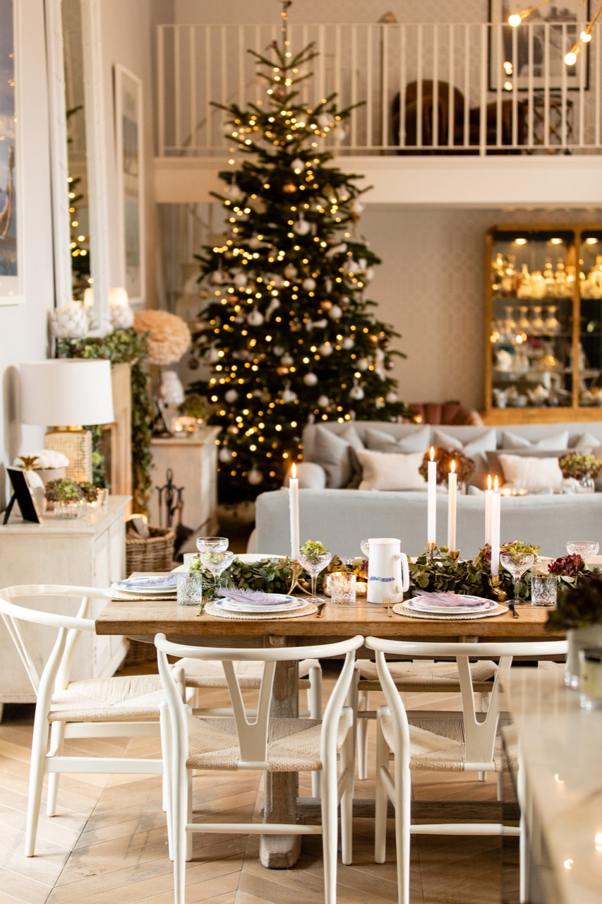 Cosy Christmas Table Inspiration