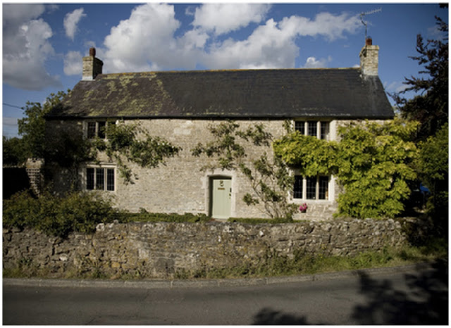Homes Away From Home: Deutzia Cottage in Dorset